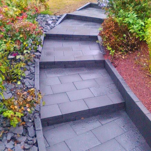 Escalier en pavés gris anthracite